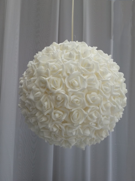 Location boule de roses 30cm