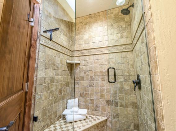 double queen shower.jpeg