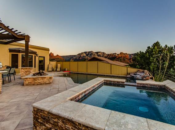 pool and hottub.jpeg