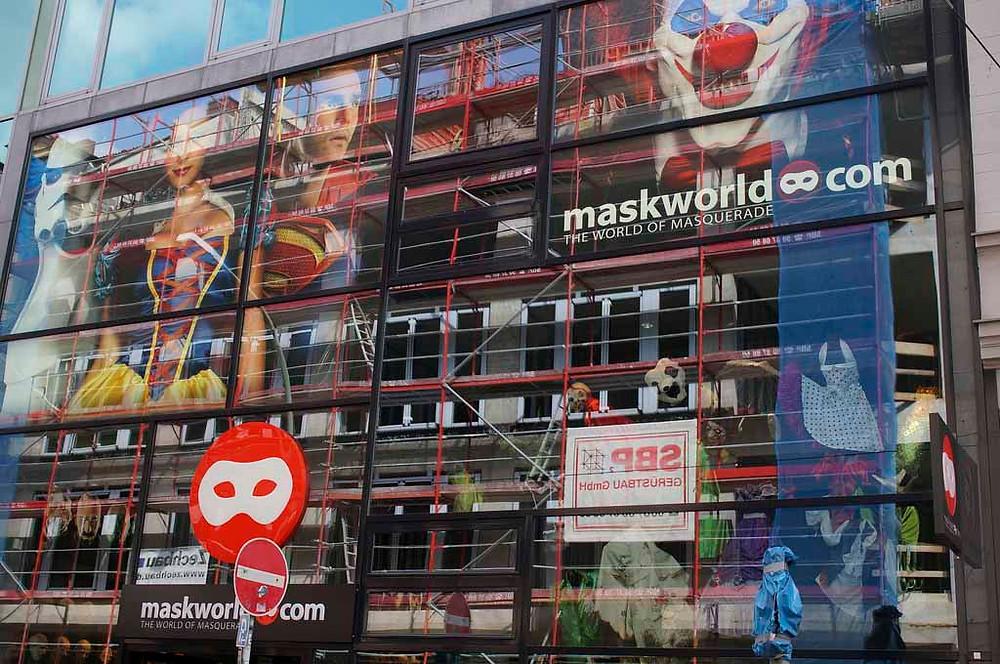 עולם המסכות בברלין - חנות חובה לפורים