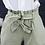 Jeantaille haute froncée , avec grosse ceinture intégrée. Aucune transparence avec le modèle blanc.