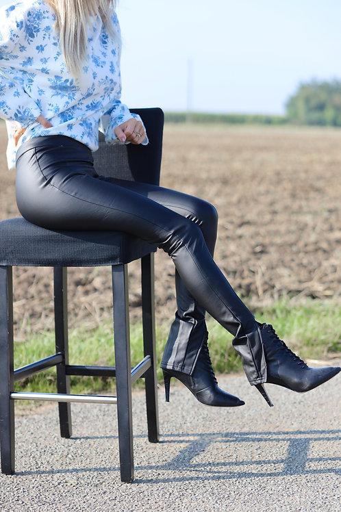 Pantalon en simili cuir noir. Tendance Grecy