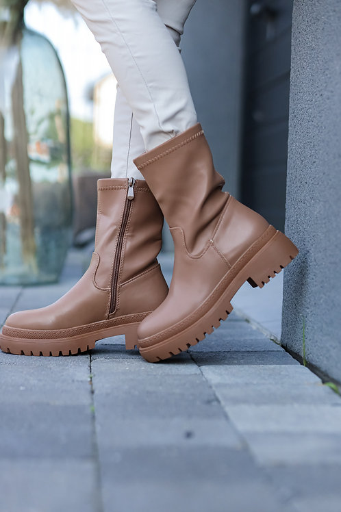 Boots de couleur camel.  Très confortable.Indispensable à partir dela mi-saison !
