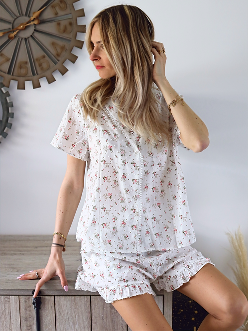 Ensemble pyjama avec des motifs fleuris roses.100% Coton.
