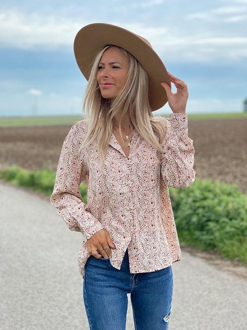 Chemise avec un motif rétro. Esprit vintage tout en restant moderne !