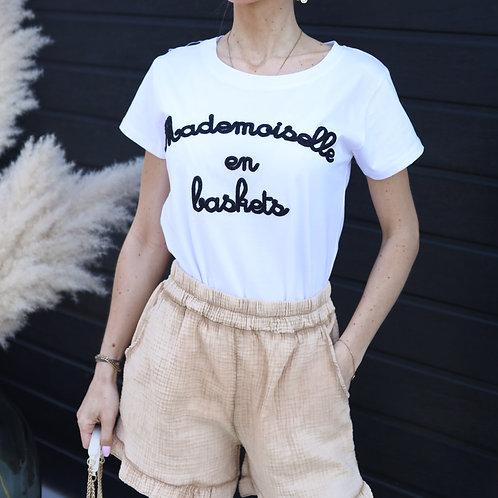 T-shirt à inscription Mademoiselle en Baskets . 100% Coton.Fabriqué en Italie