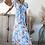 robe longue bleu ciel , fleurs roses et blanches . avec fente . grecy