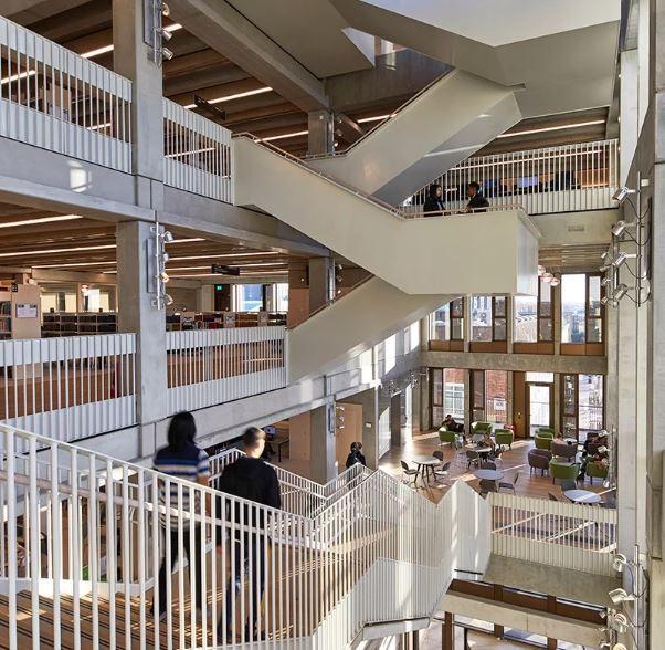 edificio de la casa de la ciudad, imagen de la universidad de kingston por ed reeve