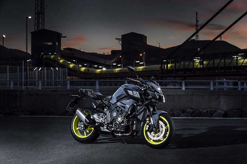 Motor Çeşitleri Duvar Kağıdı Modelleri   3D Sarı Yamaha Motor Duvar Kağıtları