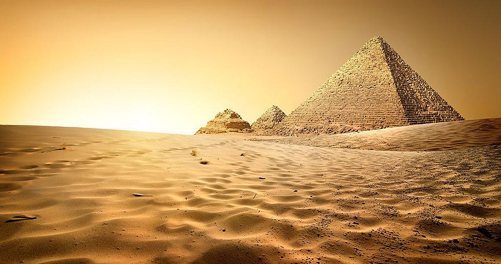 3 Boyutlu Mısır Piramitleri Manzaralı Duvar Kağıtları