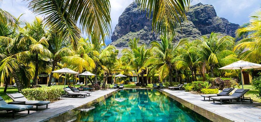 3 Boyutlu Duvar Kağıtları | Full HD Ada Otel Havuzu Dağ Duvar Kağıtları