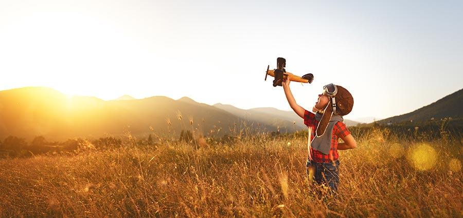 3 Boyutlu Güneş Duvar Kağıtları | Dokulu Uçak Uçuran Çocuk Duvar Kağıtları