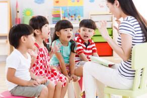 读书的孩子和老师3_edited.jpg