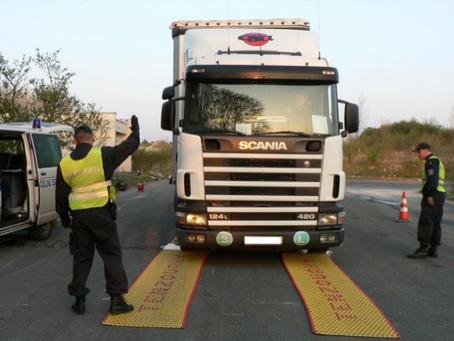 Francie: přetížení nákladního vozidla