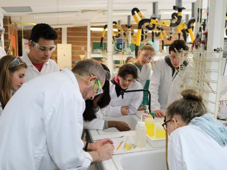 A la recherche des arômes au laboratoire de chimie organique d'Orléans