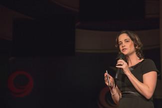 להפחית ולווסת אכילה רגשית - טיפים מההרצאה של נגה שמש