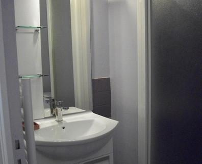 La Roche Posay Apt Victor Hugo N° 132  - salle de bain