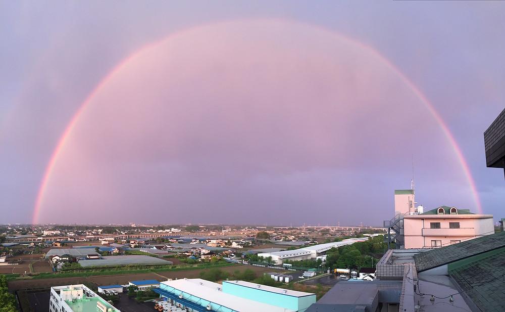 マンションからの虹