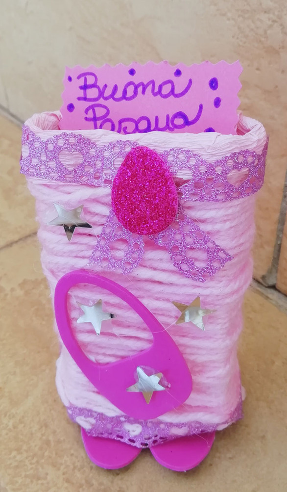 Contenitore rosa con riciclo