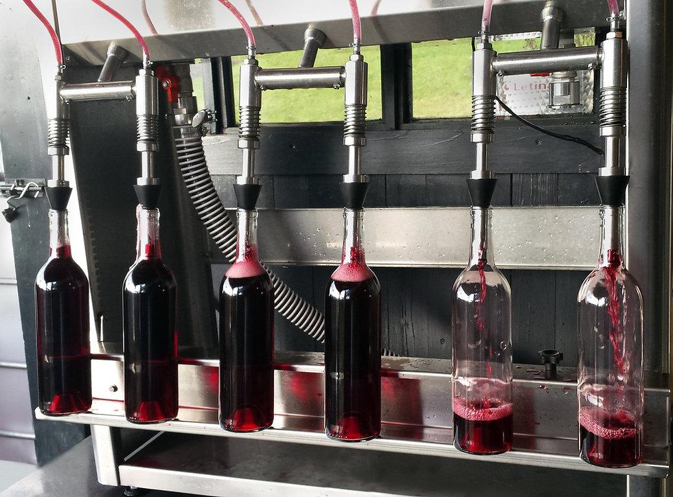 wine bottler