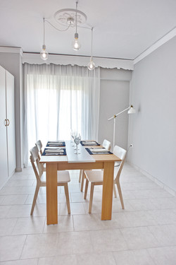 Living Room/Table for up to 6 people