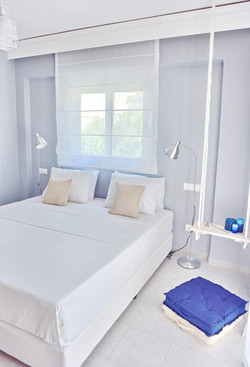 King size bed/Room 1