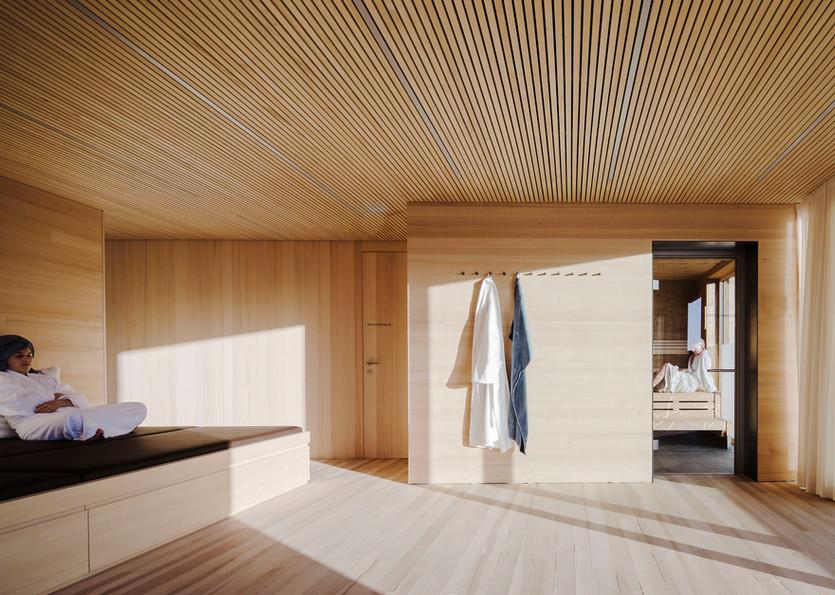 Ruhebereich mit Sauna
