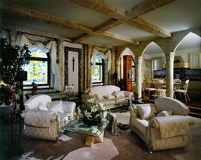 заказать дизайн интерьера в готическом стиле