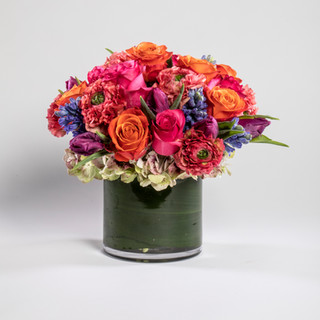 Short multi-color arrangement