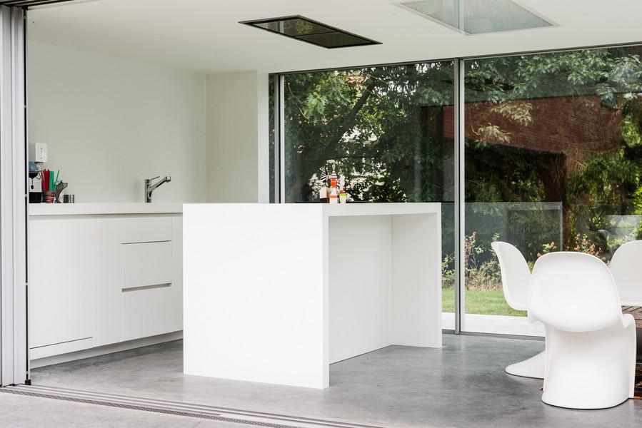 Keuken in poolhouse - Foto door Dirk De Cubber