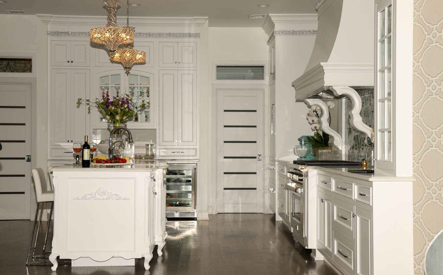 White Coastal Kitchen with Island.jpg