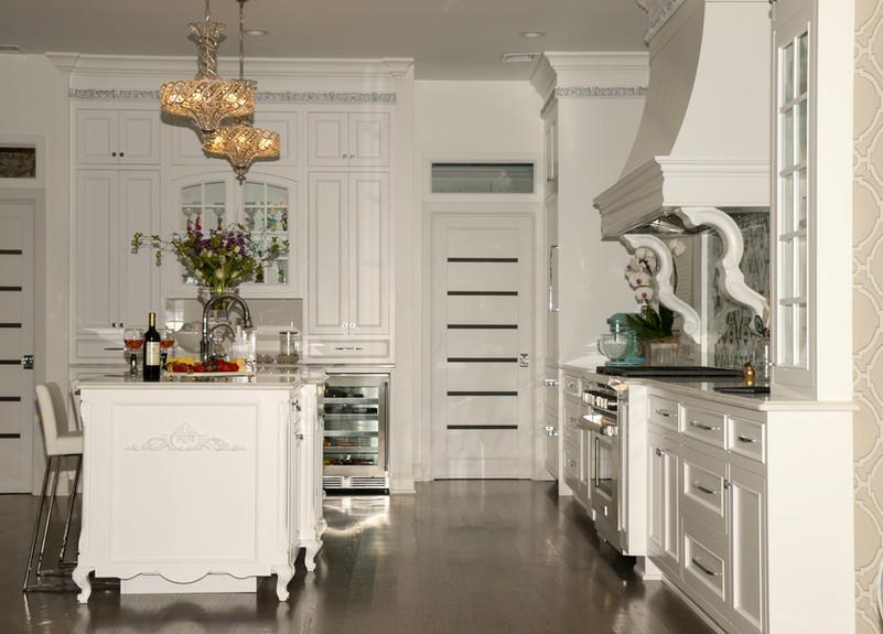 White Coastal Kitchen with Island.jpg