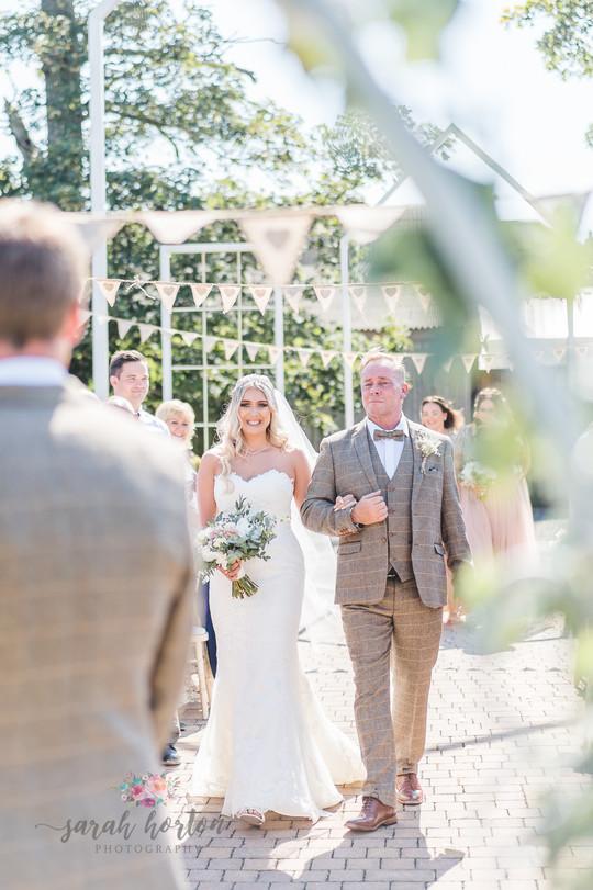 Alcumlow Barn Wedding Photography-39.jpg