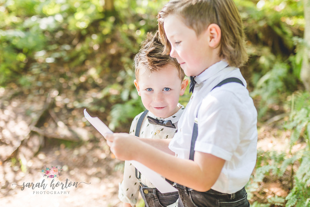 children reading their vow renewals for mummy and daddy