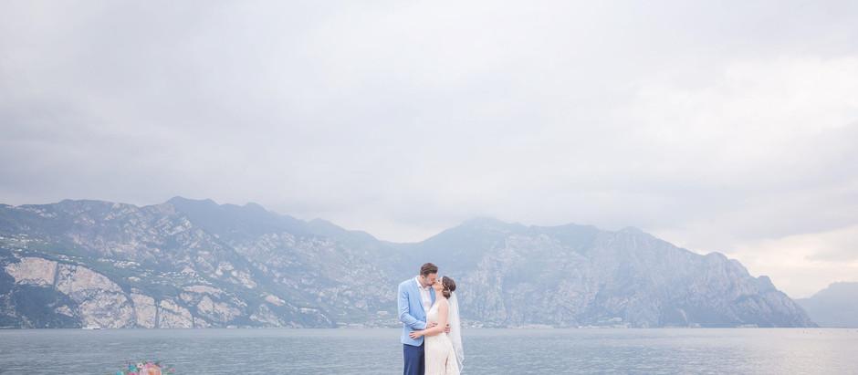 A relaxed castle wedding on Lake Garda, Italy