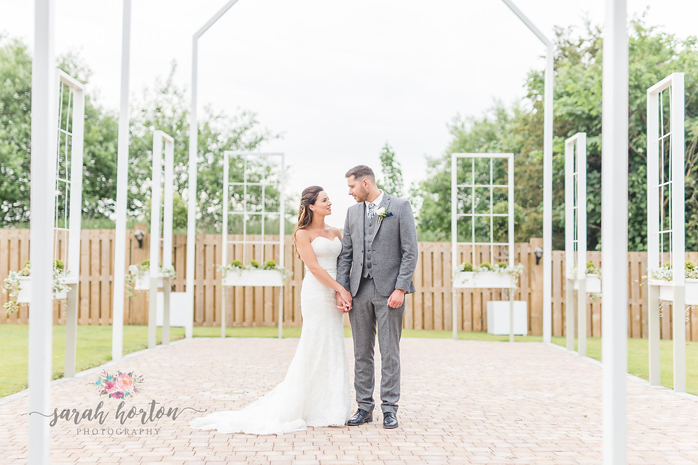 cheshire wedding photography at alcumlow hall farm