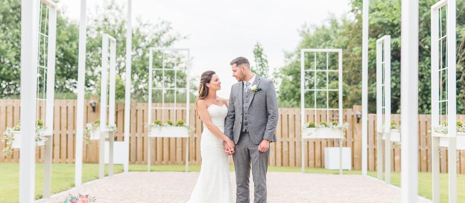 NATALIE + WARREN // ALCUMLOW HALL WEDDING