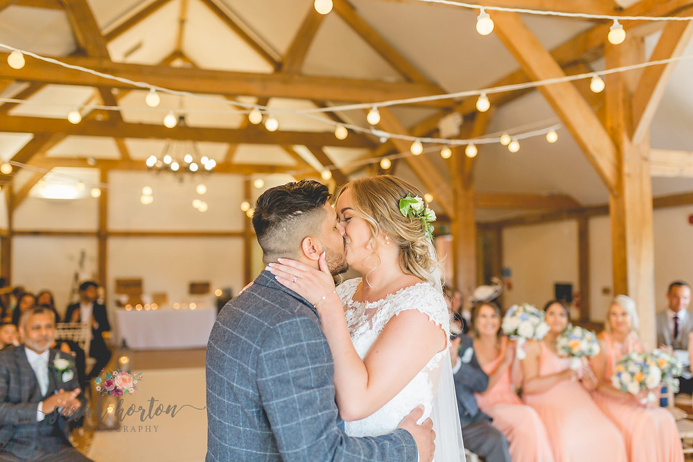 cheshire wedding photography at sandhole oak barn