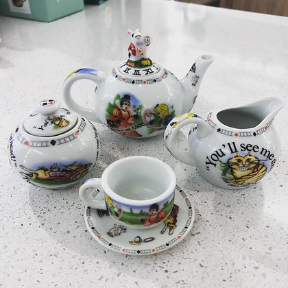 Alice in Wonderland Miniture Children's Teaset
