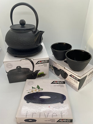 Avanti Cast Iron Teapot with 2 Cups and Trivet