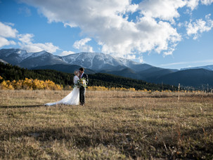 Vibrant Fall Micro-Wedding featured on Rocky Mountain Bride | Red Lodge, Montana