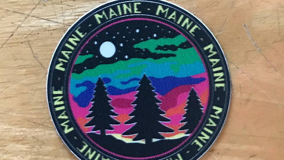 Maine Full Moon Decal/ small