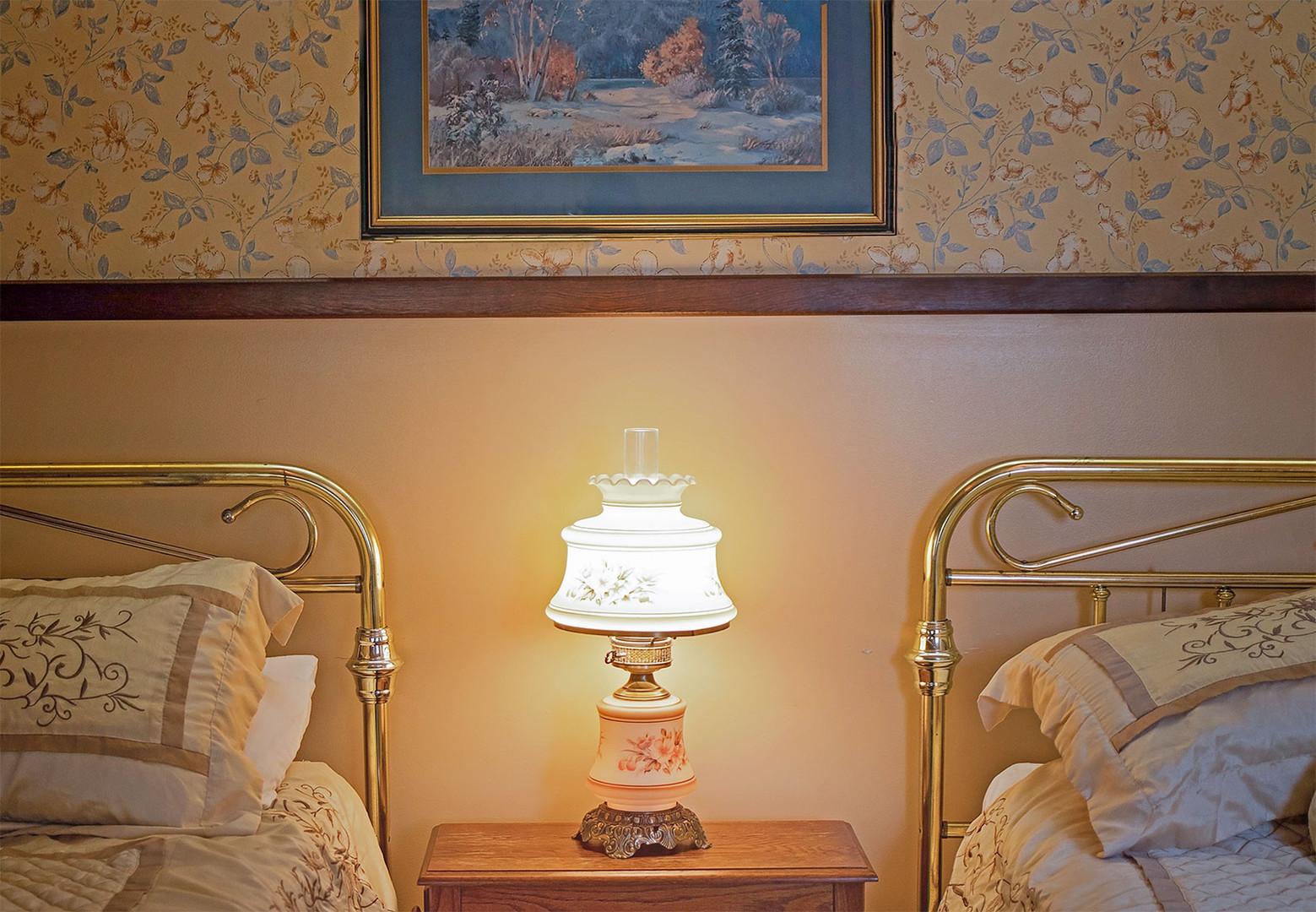 Double_brass_beds_CottageHouse.jpg