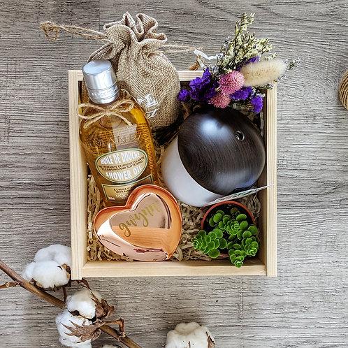 Sunshine Gift Set - Loccitane shower gel, humidifier