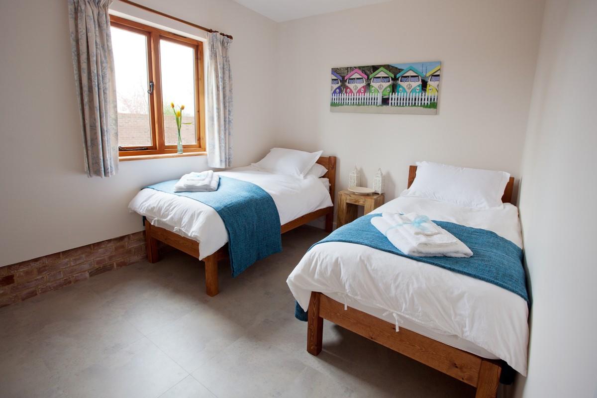 Kingfisher twin bedroom