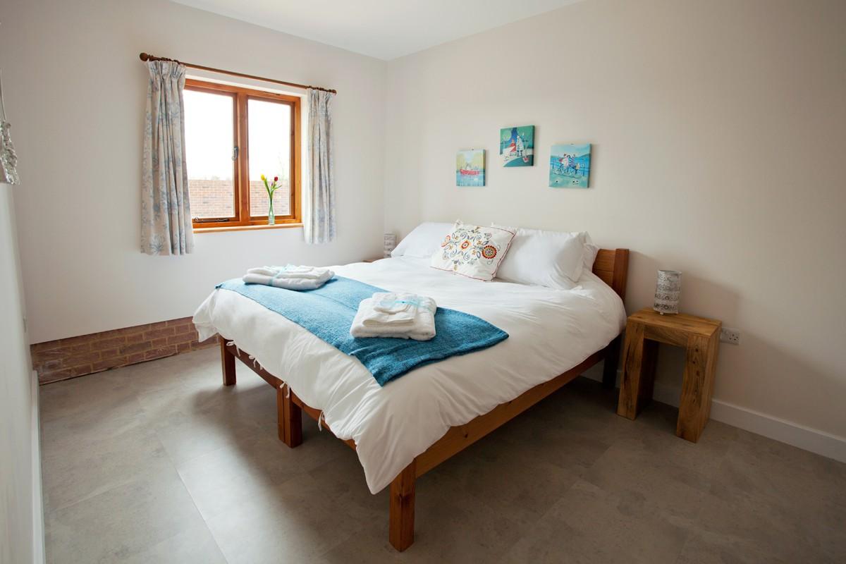 Kingfisher master bedroom