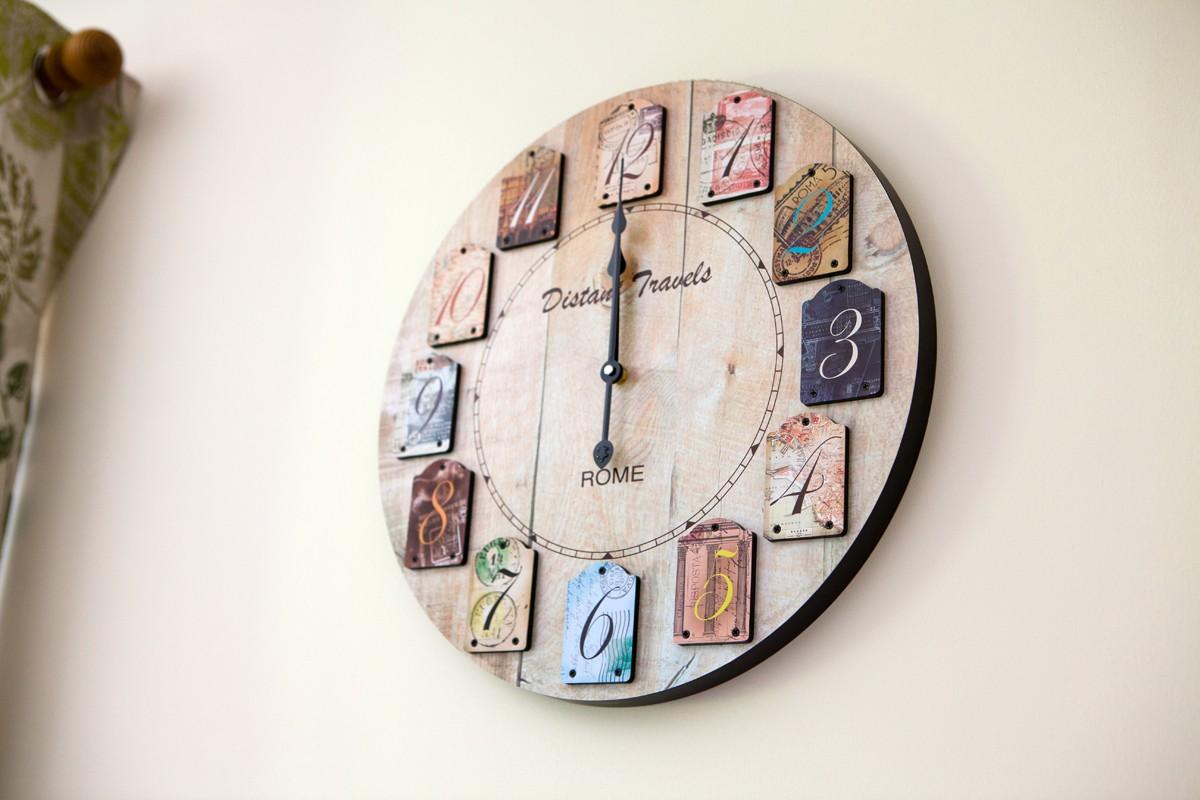 Moorhen clock