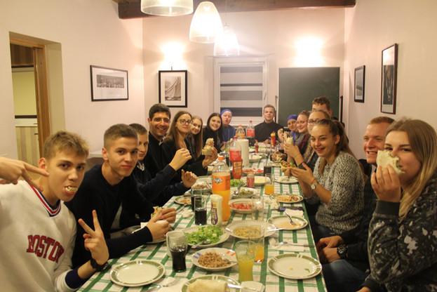 Gruppo giovani Lituania.jpg