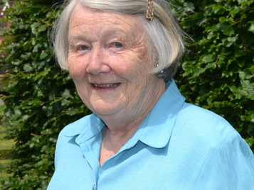Jean Bedford Receives local award