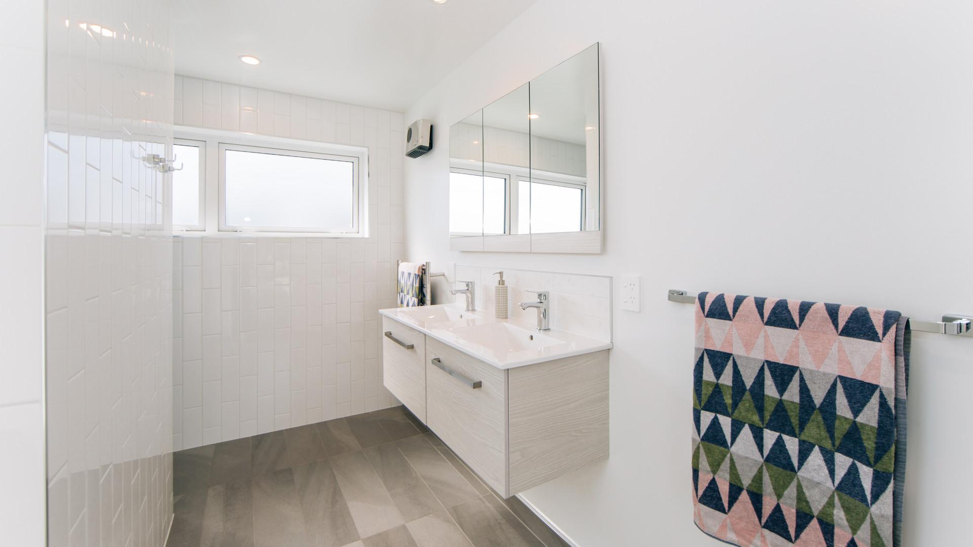 Liffey Springs bathroom 2